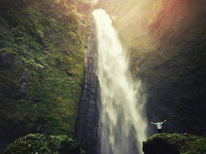 air terjun kabut pelangi, air terjun kabut pelangi lumajang, air terjun kabut pelangi pronojiwo