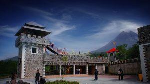 the lost world castle, tembok besar cina di jogja, gabar the lost world castle
