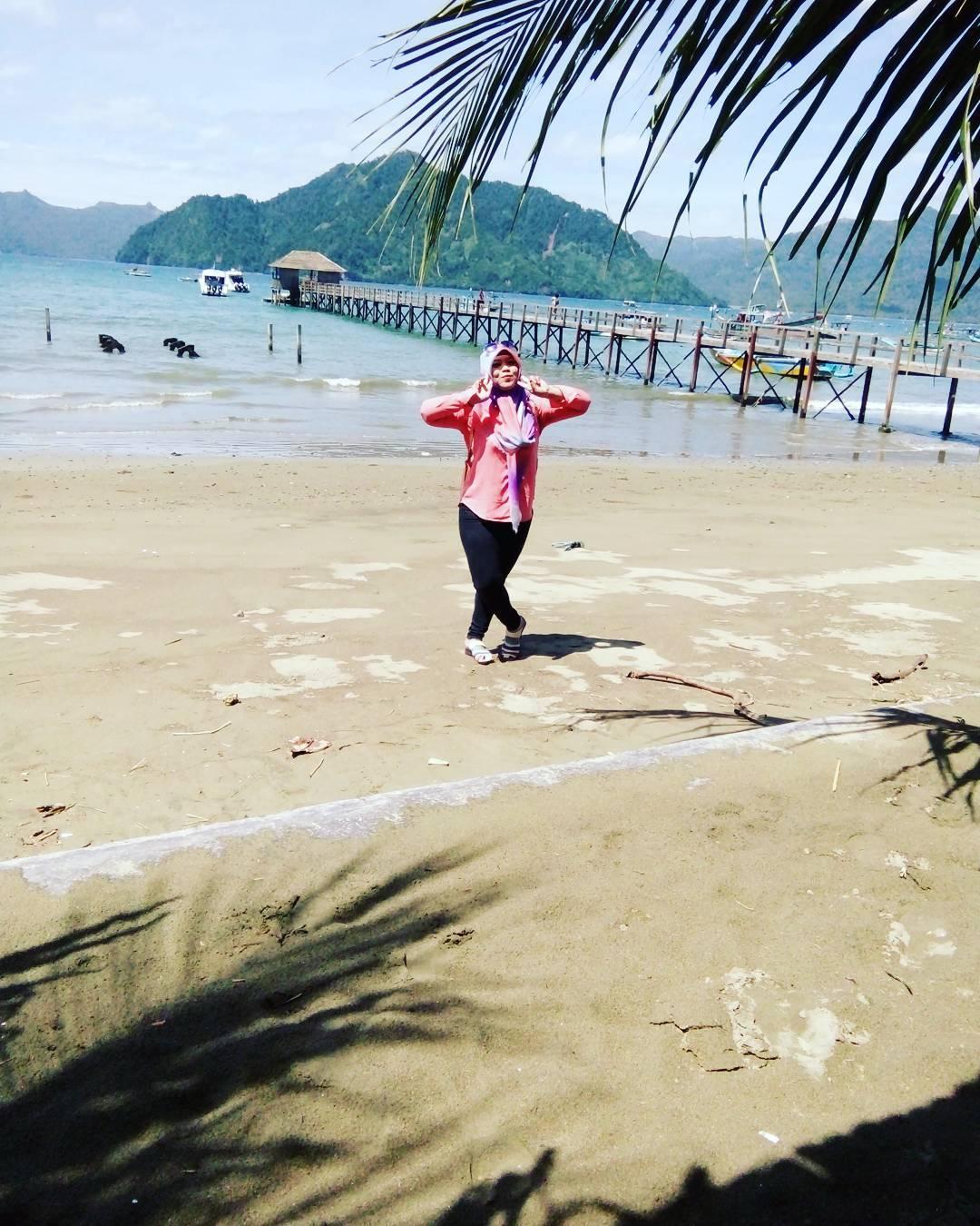 pantai karanggoso