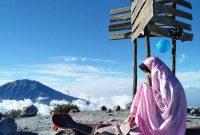 foto pendaki cantik berhijab