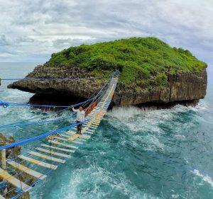 pantai sinden, pulau kalong, pulau kalong gunung kidul