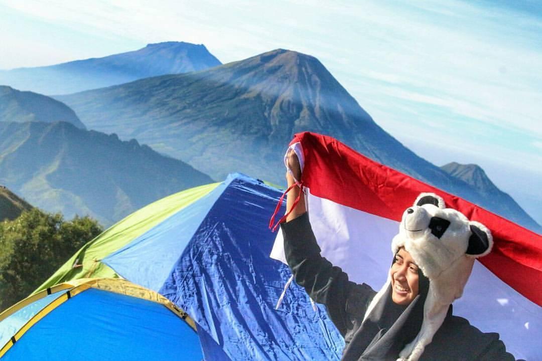 pendaki cantik gunung prau
