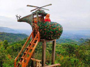 spot foto helikopter di wisata watu goyang