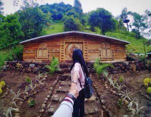 rumah hobbit magetan