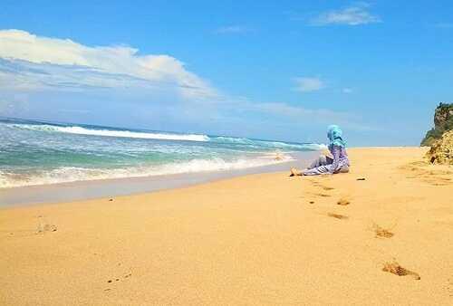 pantai watunene