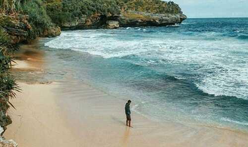 pantai widodaren