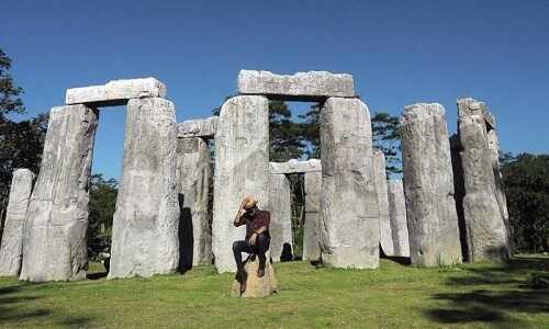 stonehenge cangkringan