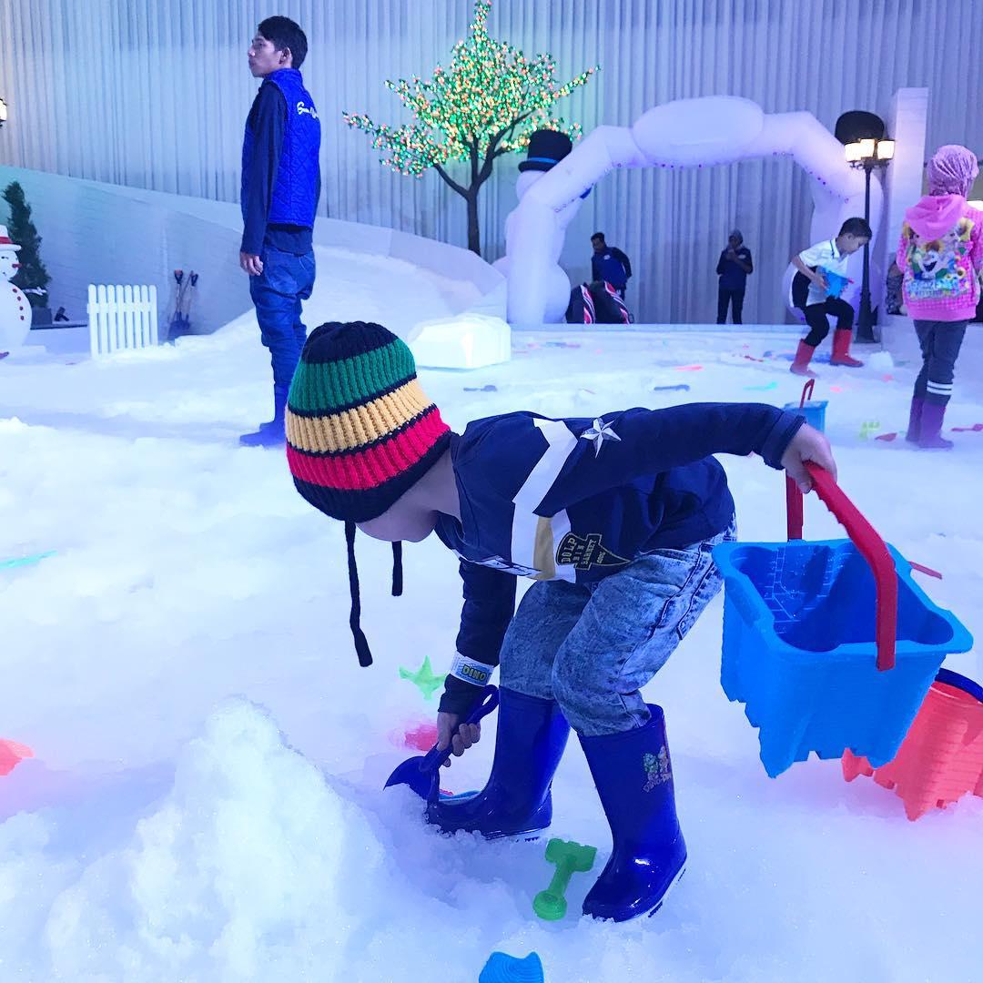 spot foto di malang snow paradise