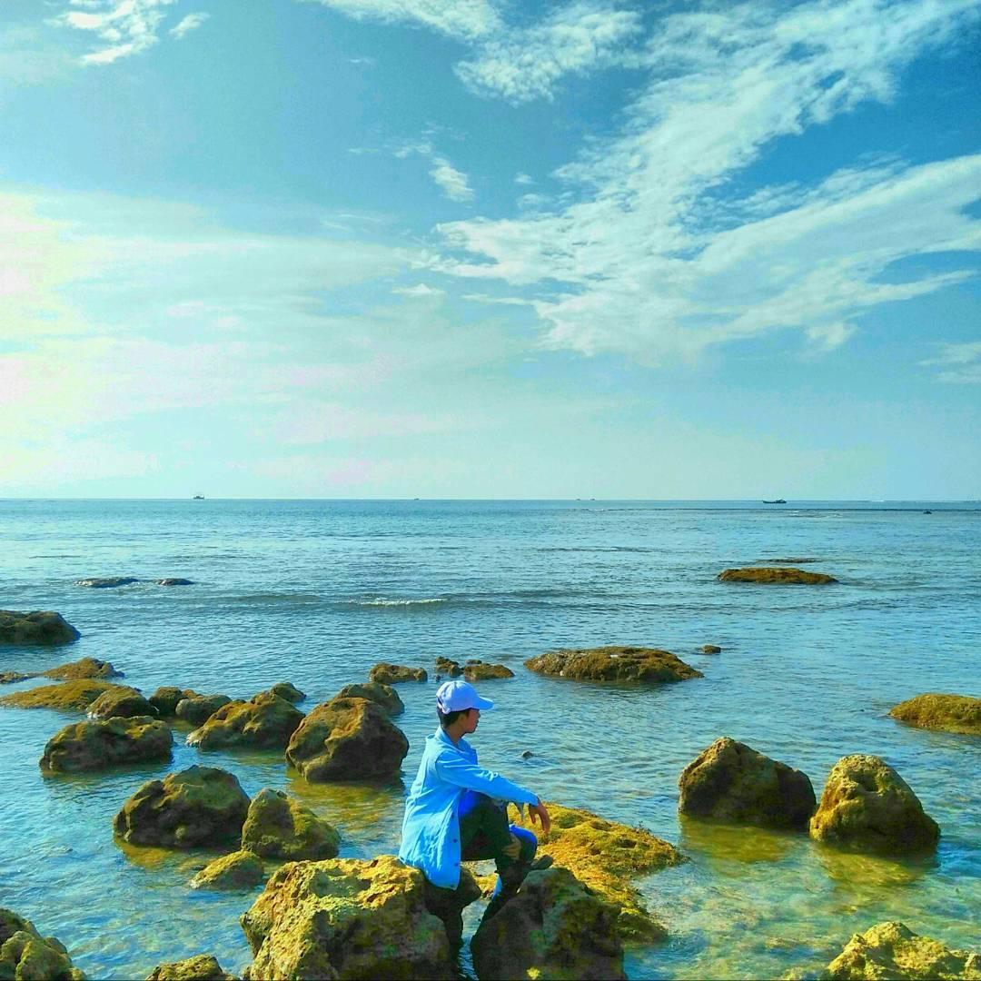 panorama pantai tanjung lesung