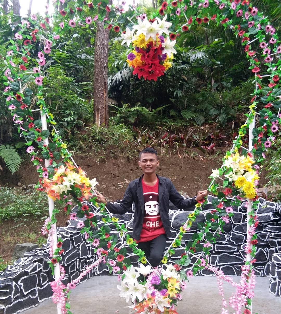 spot foto frame love di srambang park