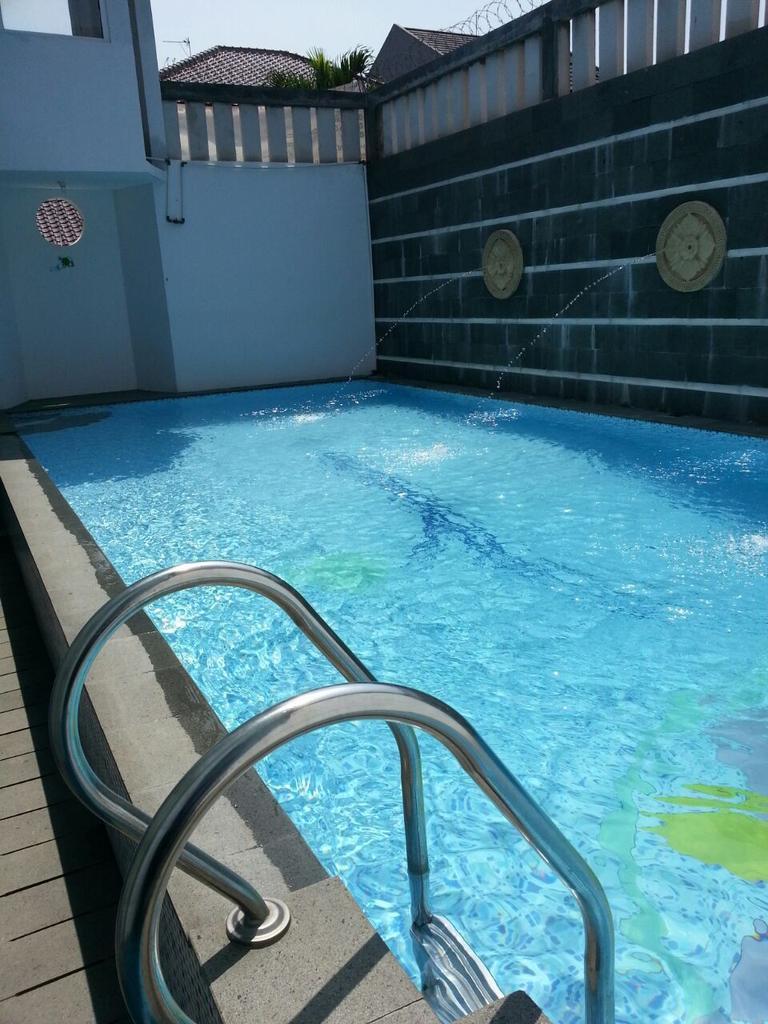 kolam renang khidijah muslimah center