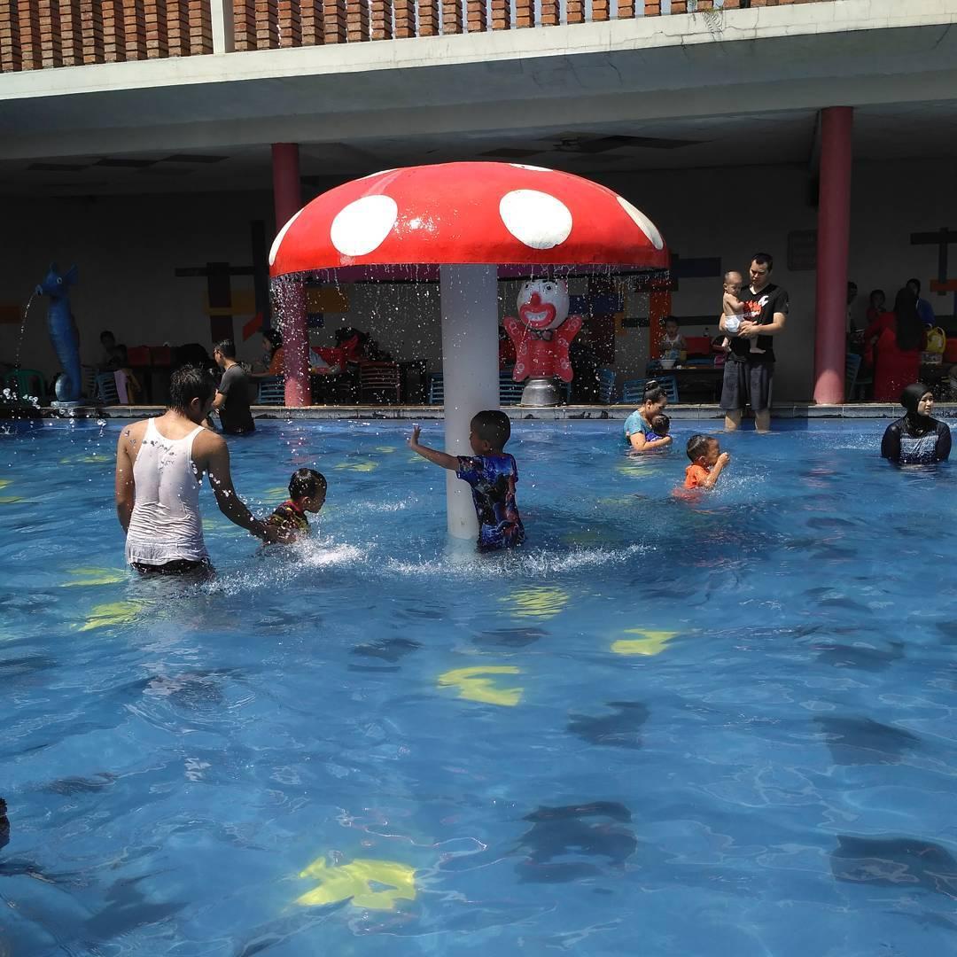 kolam renang tirta mulya khusus anak-anak