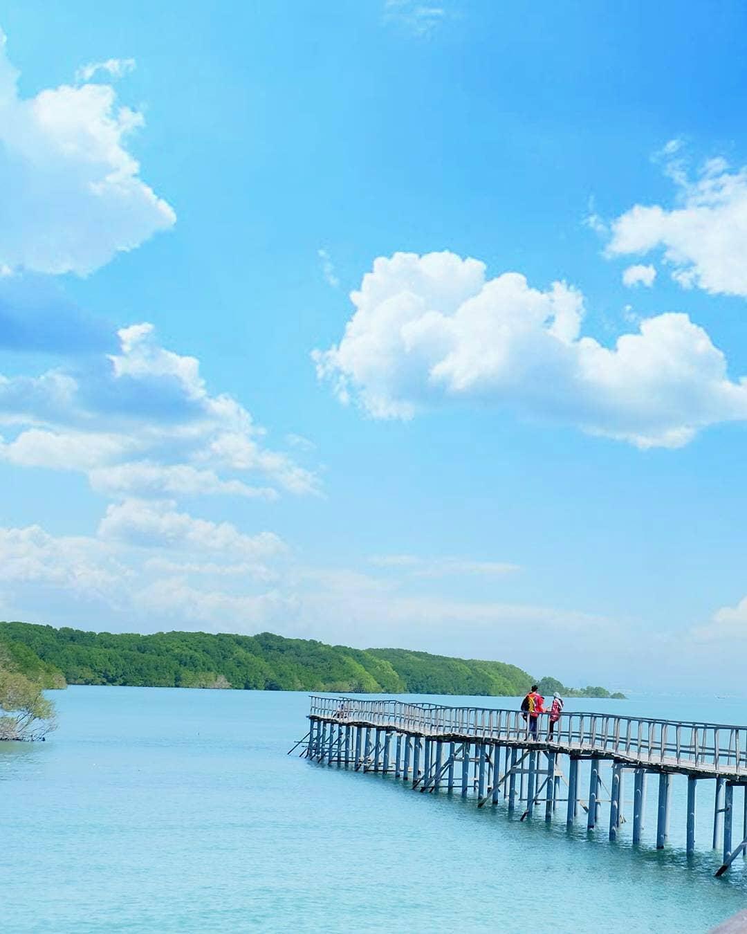 panorama pantai kutang lamongan