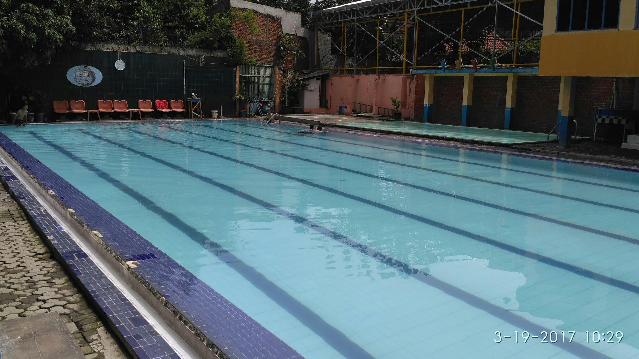 kolam renang jaka permai