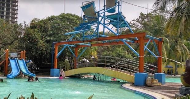 kolam renang taman sentosa