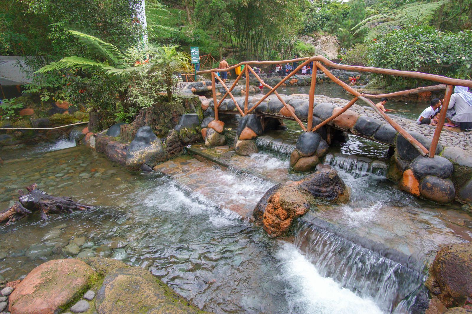 maribaya natural hot spring resort