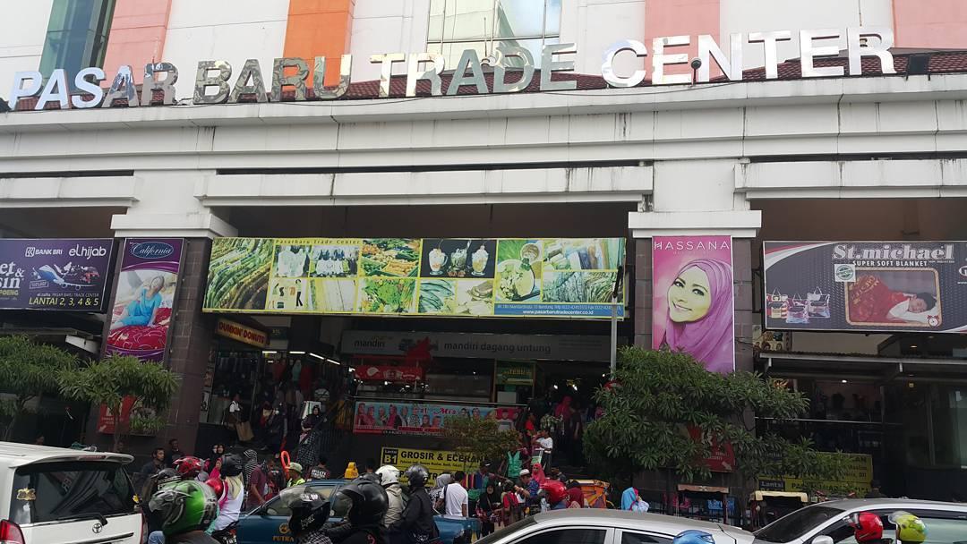 Alamat dan Harga Barang di Pasar Baru Bandung 1422bc7b51