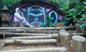 rumah hobbit paling hits di indonesia