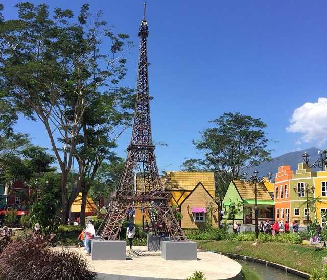 Lokasi Rute Dan Harga Tiket Masuk Devoyage Bogor 2020