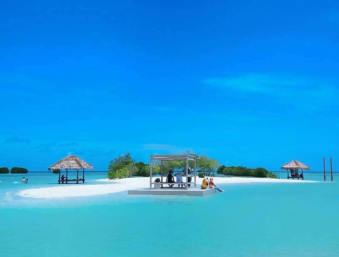 Hasil gambar untuk pulau pari