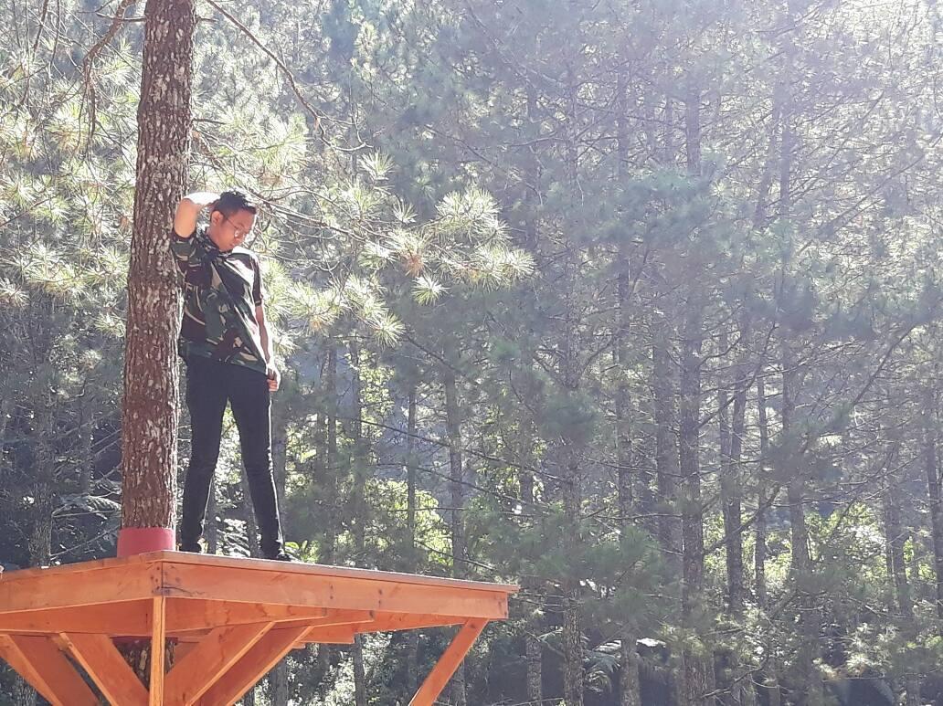 spot foto rumah pohon di wisata kampoeng ciherang