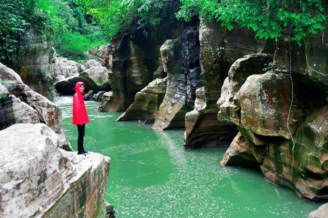 spot foto tonjong canyon yang instagenik