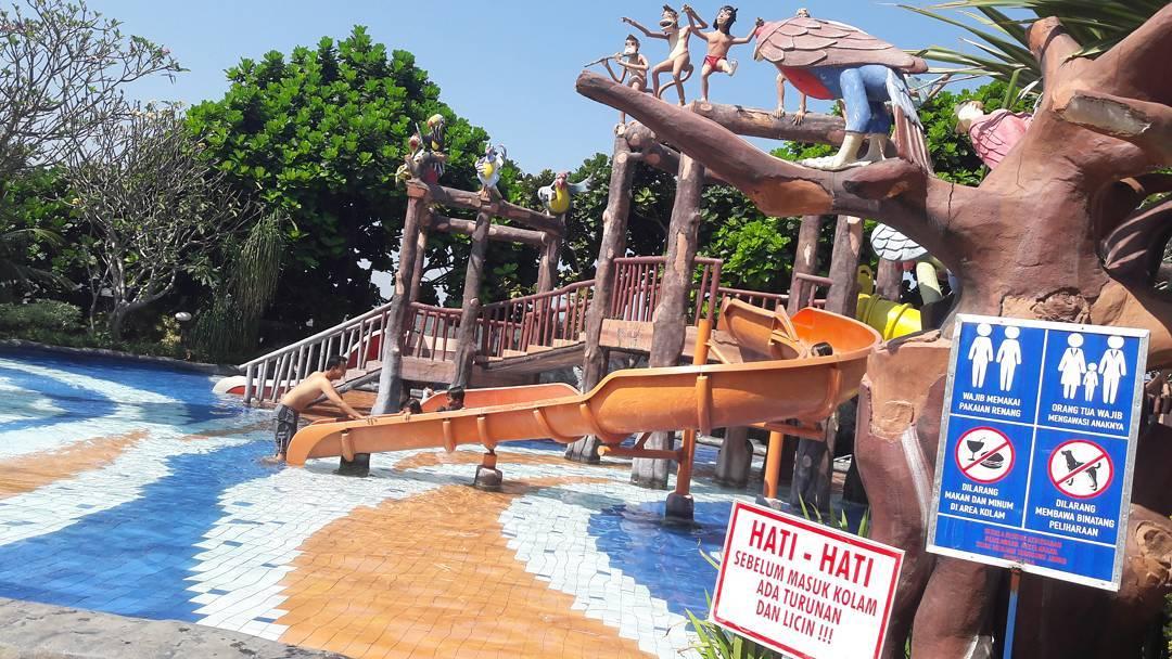 wahana air di jungle toon waterpark semarang