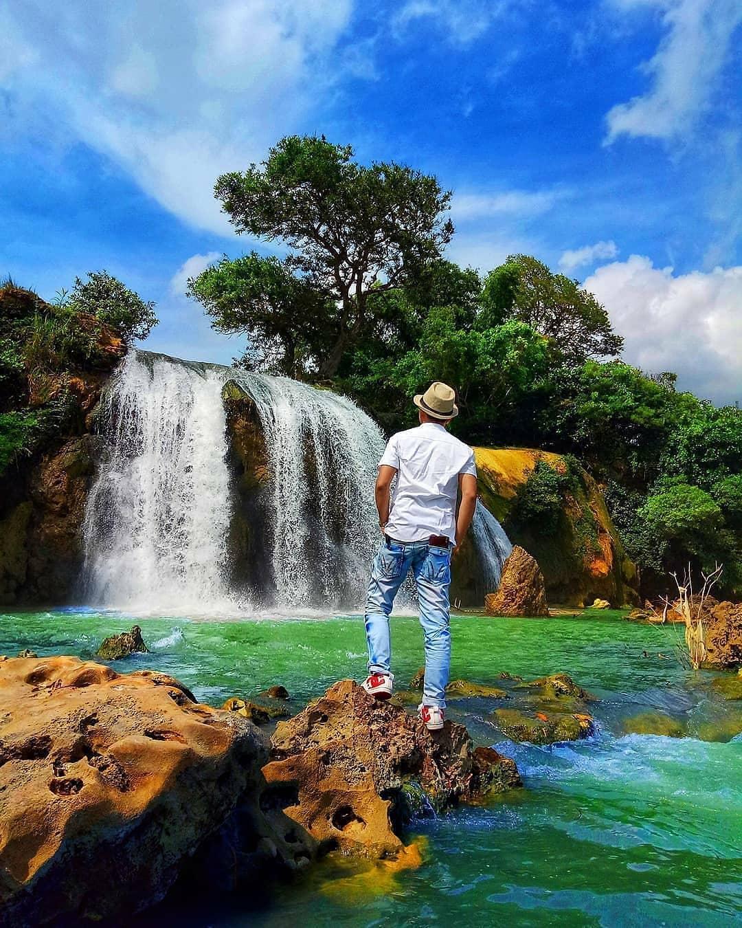 spot foto cakep di wisata air terjun toroan sampang madura