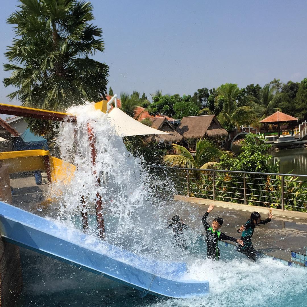 wahana air di pulo saiji waterpark serpong tangerang