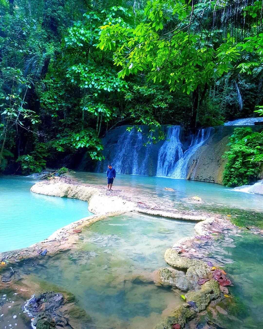 pesona keindahan alam air terjun moramo konawe selatan sulawesi tenggara