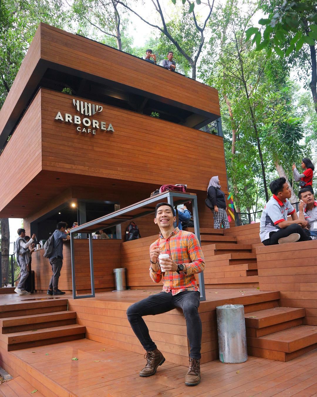 asyiknya nongkrong di arborea cafe manggala wanabakti jakarta