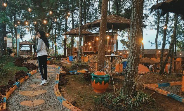 cafe taman pinus batu