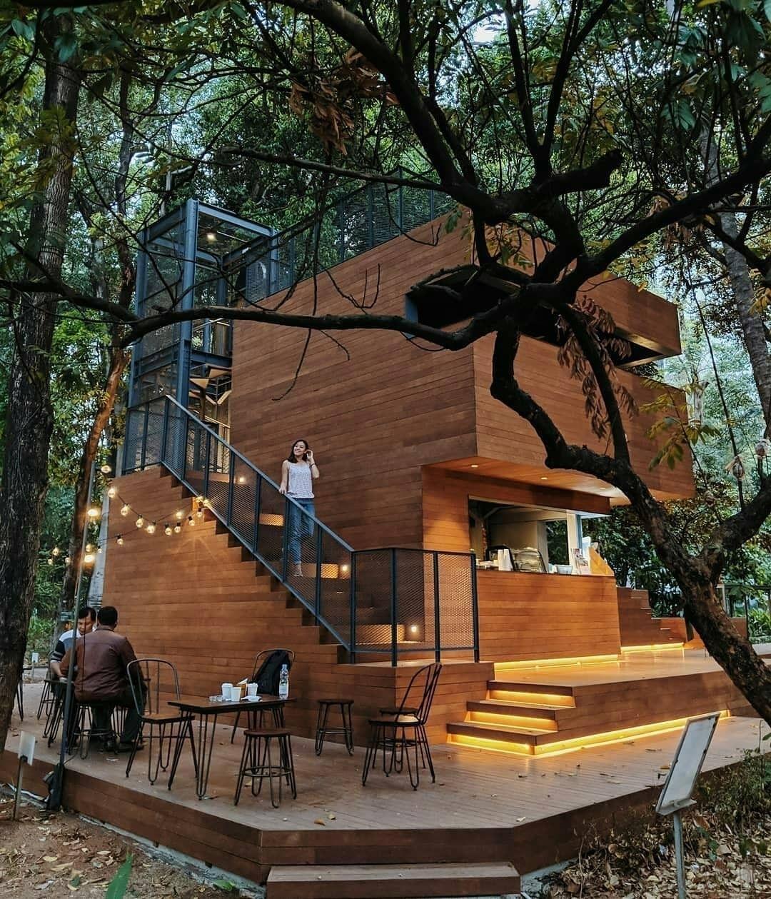 panorama arborea cafe manggala wanabakti jakarta