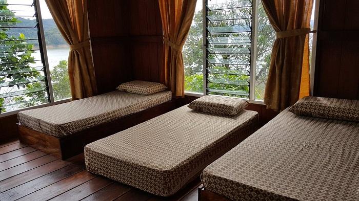 kamar di dekotoz villa