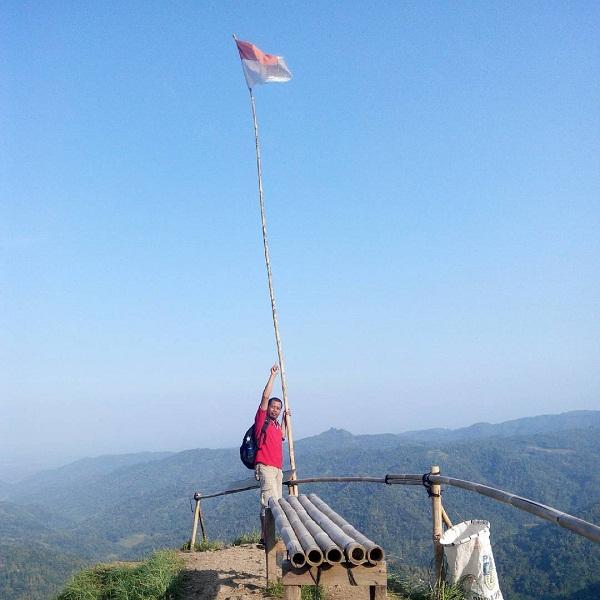 spot foto instagenik di wisata puncak widosari samigaluh