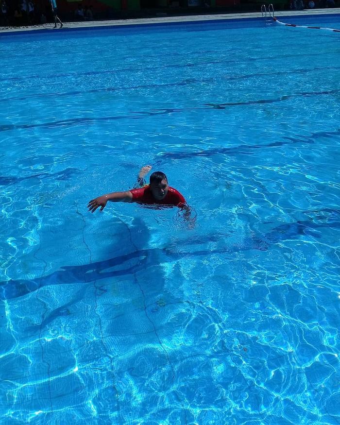 berenang di kolam ubalan pacet