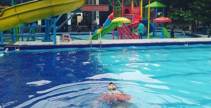 kolam renang rumah ibu cibubur jakarta timur