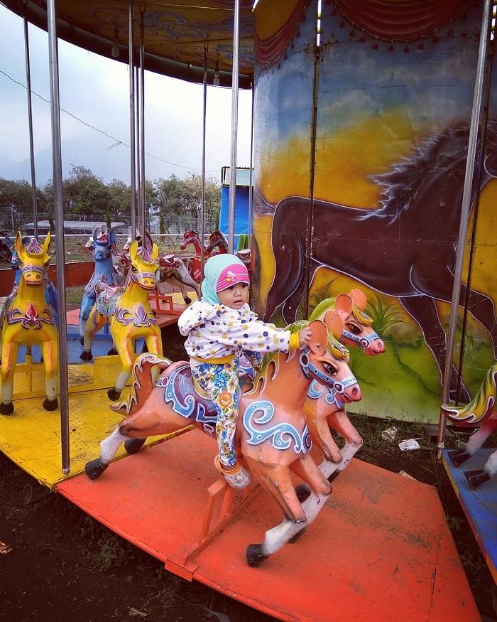 kuda-kudaan di taman ghanjaran