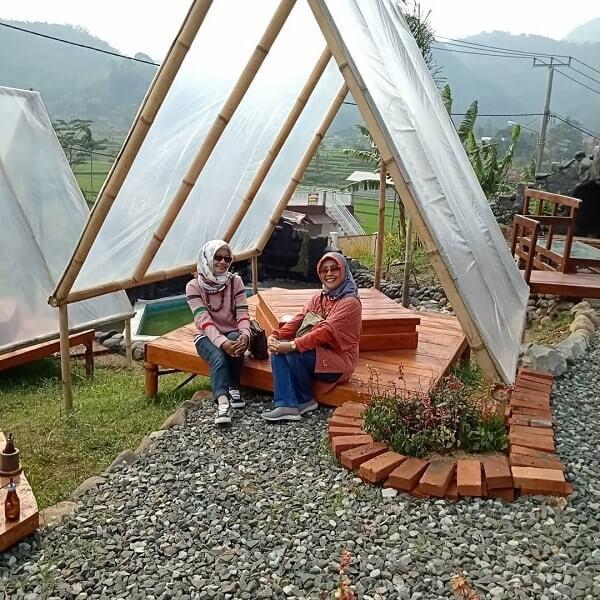 spot saung bambu di de diamond ecopark bandung