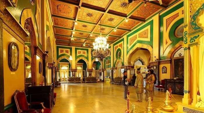 desain interior istana maimun