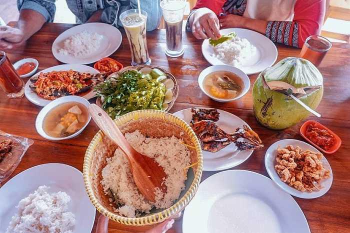 menu makanan di saung dolet serang