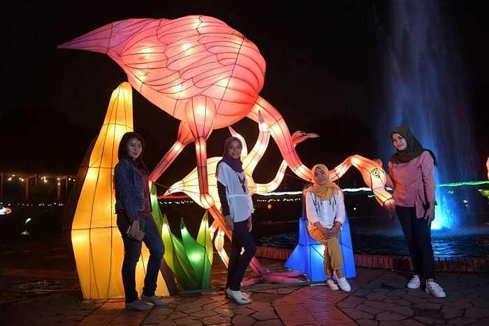 spot foto lampion di taman rekreasi wiladatika