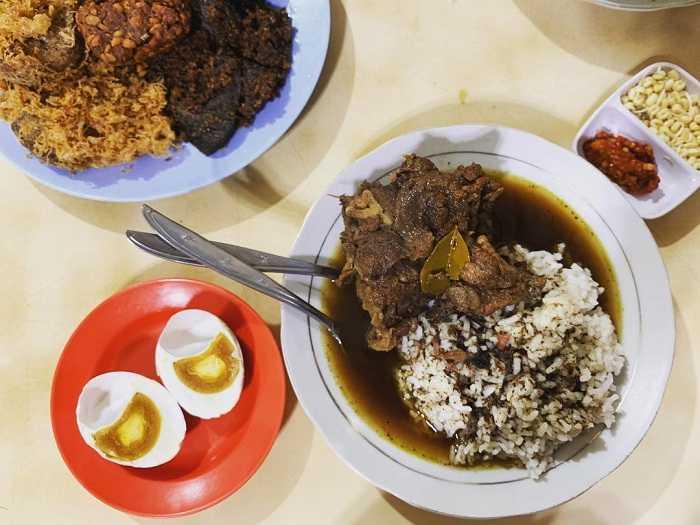 menu spesial rawon nguling malang