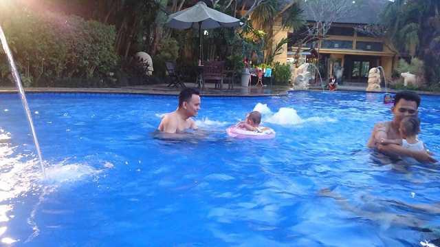 araya swimmingpool