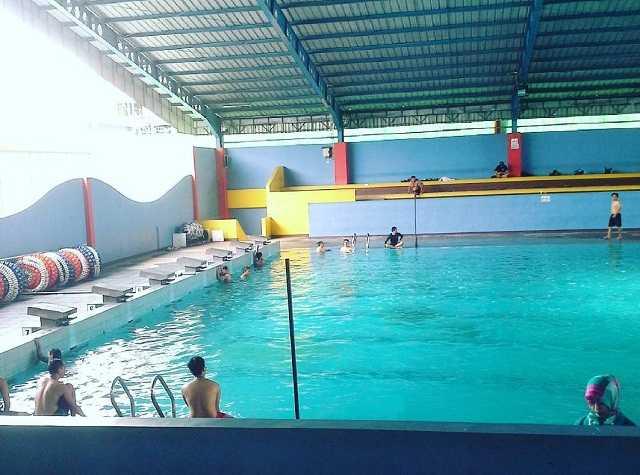 kolam renang stadiun gajayana