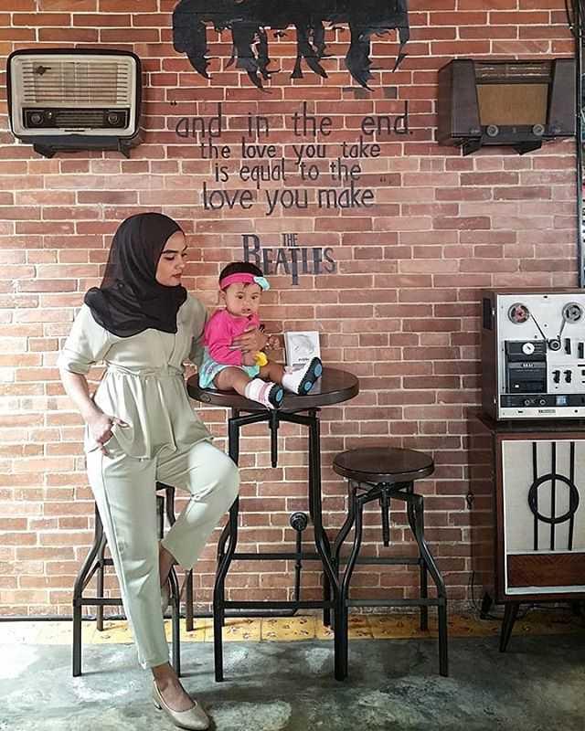 desain interior cafe brick jogja