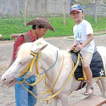 naik kuda di cimory dairyland prigen pasuruan