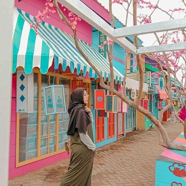 spot bangunan bergaya korea flora wisata san terra malang