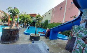 kolam renang kora kora sukoharjo