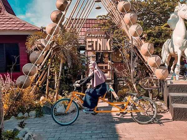 asyiknya liburan di kampung etnik kebumen